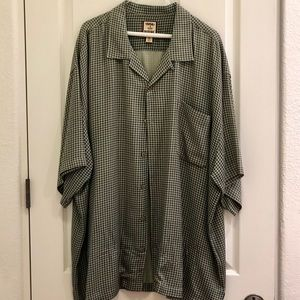 Tommy Bahama Button Down T-shirt